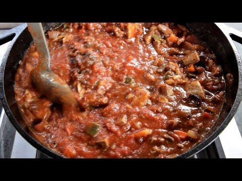 smoked-chili-con-carne-recipe--with-steak,-ribs,-and-bacon