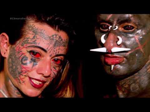 Conheça o casal que tem o corpo quase todo coberto por tatuagens