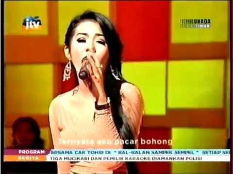 Devi Aldiva - Dari Hongkong (JTV Stasiun Dangdut march 2013)