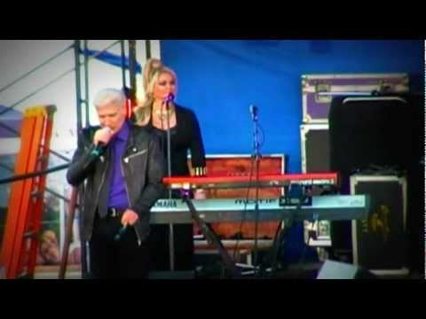 Dennis DeYoung of Styx - Don't Let It End - Woodstock Fair 6 Sep 2010