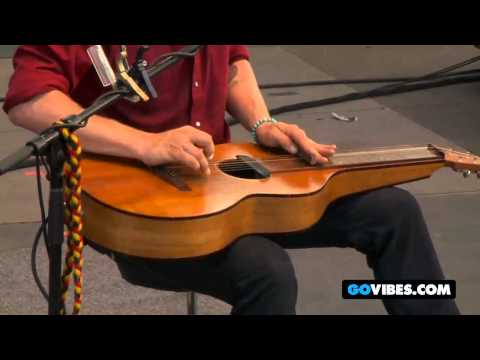 """John Butler Trio Performs """"Treat Yo Momma"""" at Gathering of the Vibes 2011"""