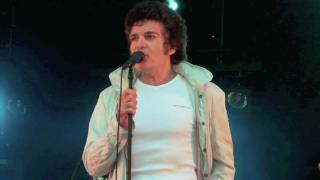 Watch Gino Vannelli Put The Weight On My Shoulders video