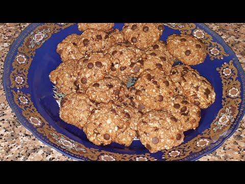 délicieux-cookies-aux-flocons-d'avoine,-chocolat,-amandes,-raisins-secs-/-الكعكة-مع-الشوفان-والشوكول