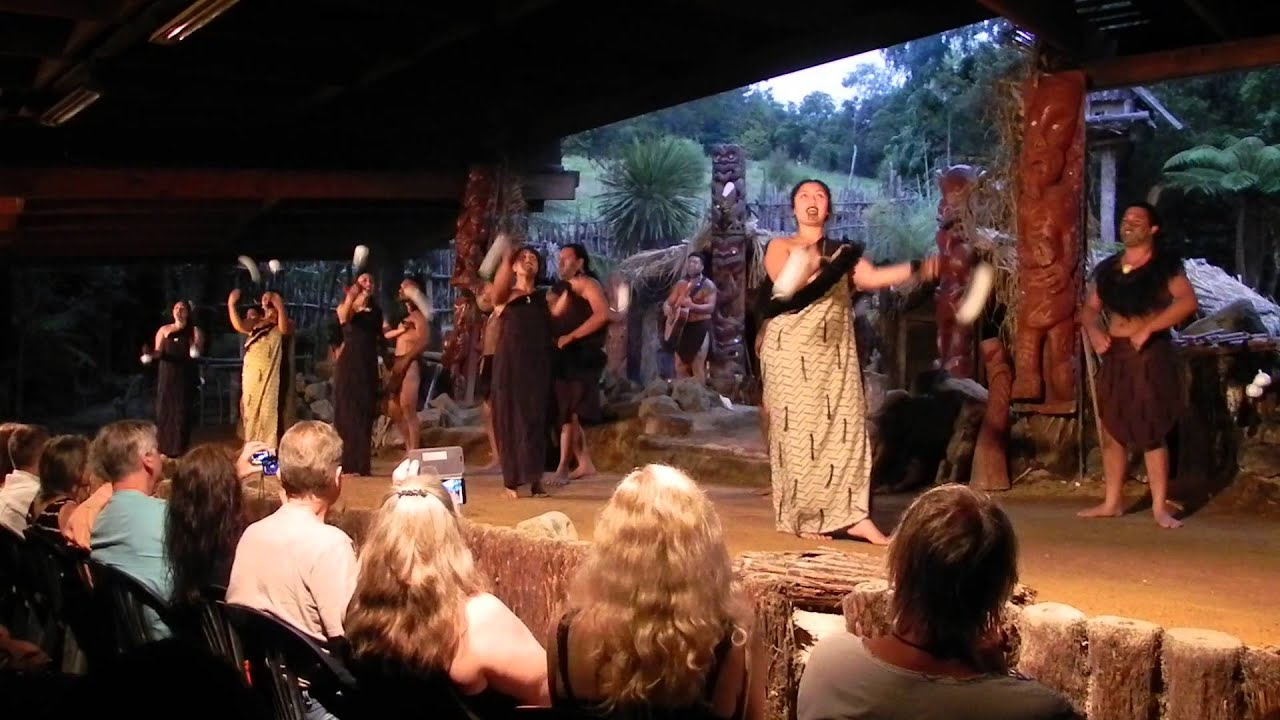 Maori Village: New Zealand 2016: Mitai Maori Village Poi Dance