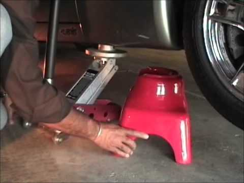 Jackpoint Jackstands demo on Corvette C5.wmv