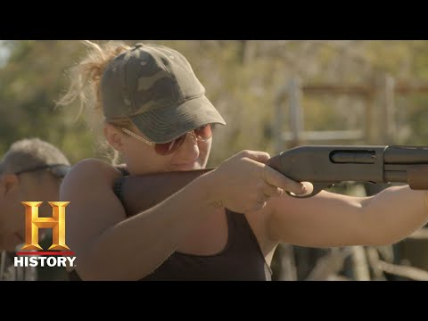 The Return of Shelby the Swamp Man: Shelby Shows Angela How To Shoot Guns (S1, E3) | History