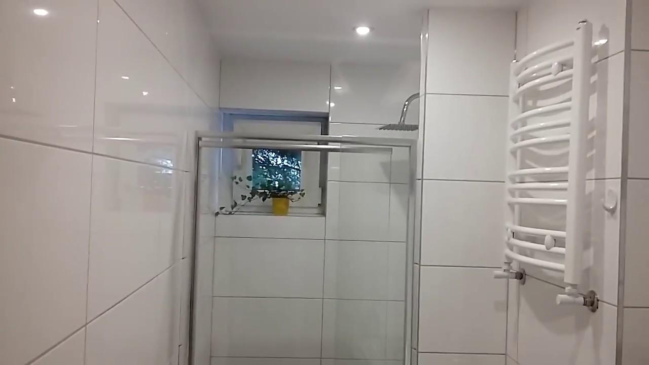 Glazura łazienka Białe Płytki Szara Fuga Bathroom Tile