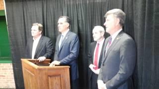 Mitt Romney on Rep. Mike Simpson