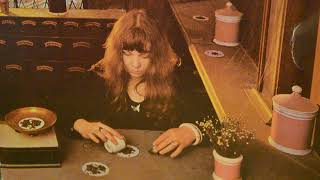 Watch Sandy Denny Wretched Wilbur video