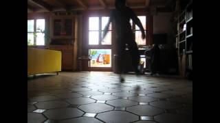 kleines Dance Video Mischung aus Hardstep Shuffle und Cripwalk