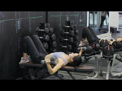 Упражнения с гантелями   Жим гантелей лежа