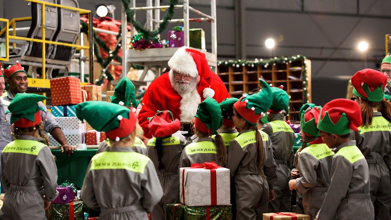 Santa's Workshop - Air New Zealand Christmas Surprise ...