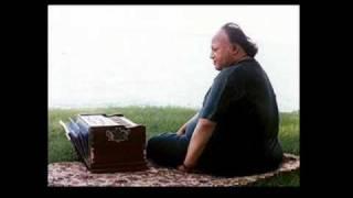 Nusrat Fateh Ali Khan - Menu Yaar Di Namaaz Par Len De 01 02.flv