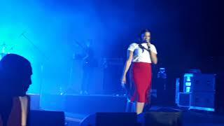 נסרין קדרי - לובשת חיוך \u0026 בסיבוב השני   בהופעה HD
