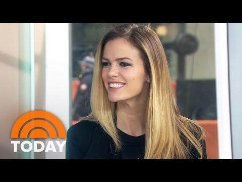 Brooklyn Decker Still Can't Believe She's Acting With Jane Fonda And Lily Tomlin | TODAY