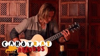 Repeat youtube video Calum Graham - Waiting (Solo Acoustic Guitar)