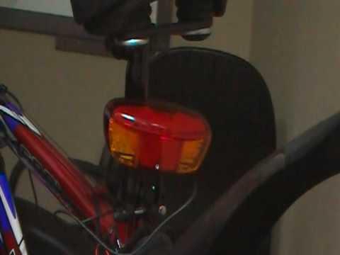 ALOHA自行車LED零件配件腳踏車燈批發-G-29-1-腳踏車電子式LED方向安全燈 - YouTube