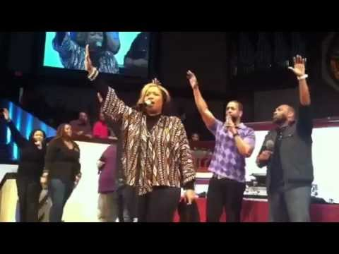 Kierra Sheard Sings
