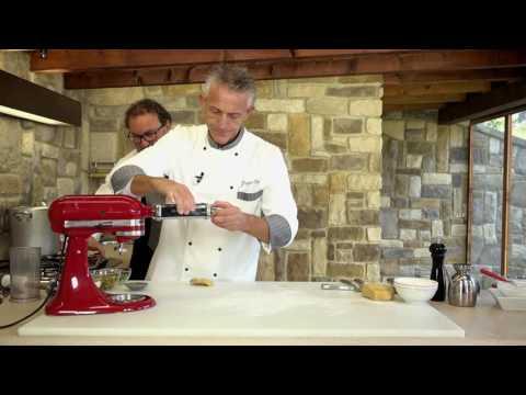 Ravioli di ricotta con pesto di pistacchi – video ricetta – Grigio Chef