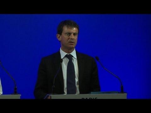 Insécurité: Valls tente de rassurer les touristes étrangers