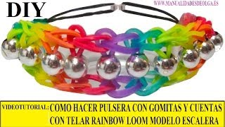 Repeat youtube video COMO HACER PULSERA ELÁSTICA CON CUENTAS ESCALERA ARCOIRIS EN TELAR RAINBOW LOOM TUTORIAL ESPAÑOL DIY