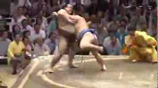 平成25年秋場所3日目 隠岐の海は稀勢の里に初めて勝ちました。 sumo ...