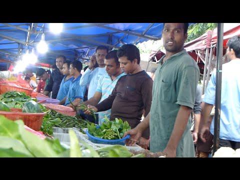 Foreigners Pasar Malam @ Selangor