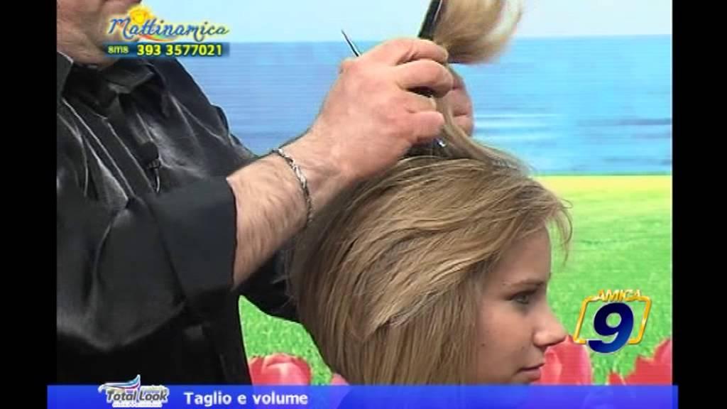Taglio dei capelli il collegio