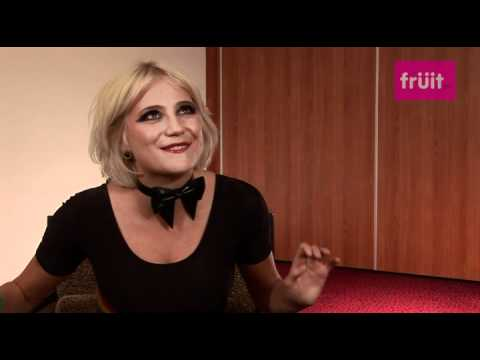 Appropriate Behavior Official Trailer 1 (2015) - Comedy HDKaynak: YouTube · Süre: 1 dakika53 saniye