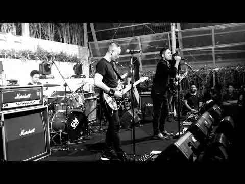 Andra And The Backbone Live Jogja!!!Jalanmu Bukan Jalanku #andraandthebackbone