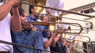 Flashmob Peschiera del Garda - ufficiale - Inno alla Gioia Bee…