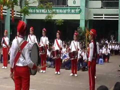 Lê Lợi biểu diễn bài Lên Đàng.wmv