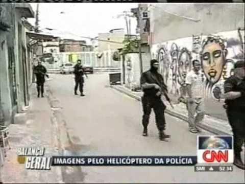 Rio de Janeiro - Brazil slum violence - Drugs war - 25 Nov 2010 (CNN)