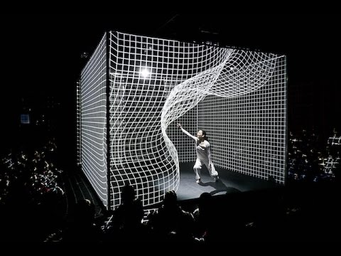 Box | Nghệ thuật siêu thực đỉnh cao