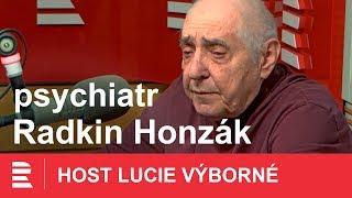 Radkin Honzák: Děsí mě analfabetismus dnešní mládeže. Společnost nedrží pohromadě thumbnail