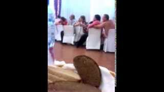 Голый мужик на свадьбе!!!смотреть всем!!!