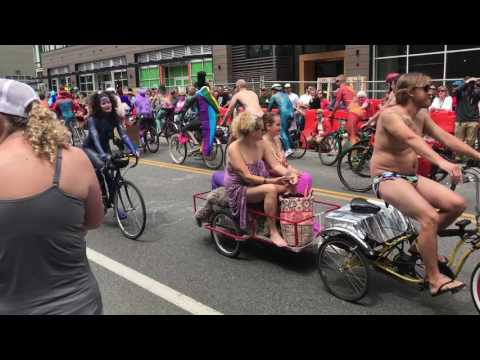 2017 Fremont Solstice Parade Nude Bike Ride (Seattle)