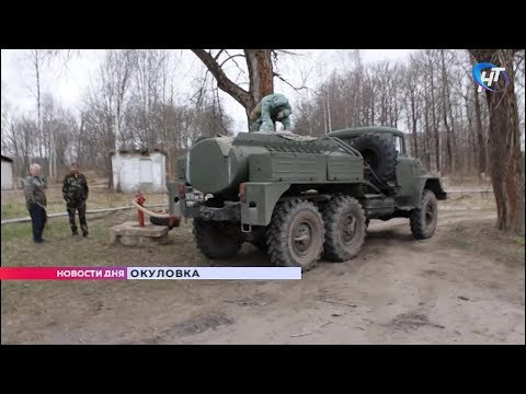 Военные Западного округа продезинфицировали улицы Окуловки