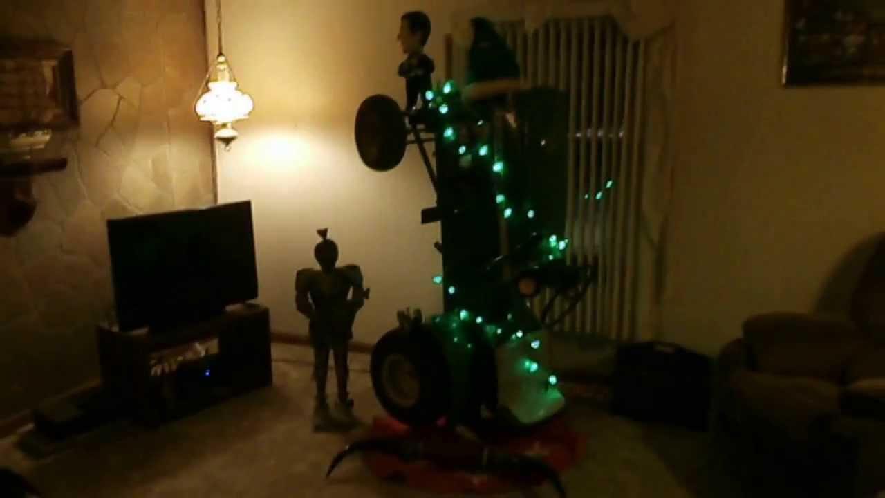 John Deere Christmas Tree 2013 - YouTube