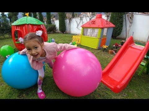 Büyük Fitness Topları Ile Bahçede Keyifli Oyunlar, Eğlenceli çocuk Videosu