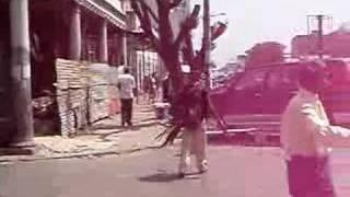 Artista de rua Moçambicano in performance