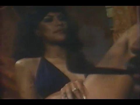 FILME     -      A   GATA     DEVASSA      1974