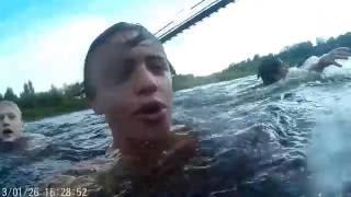 Прыжки с подвесного моста. Боровичи. Июль 2016.