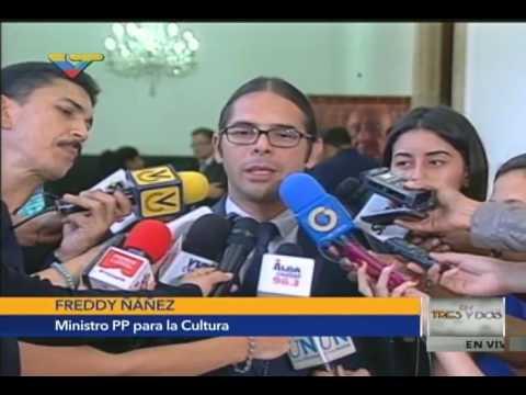 Freddy Ñáñez, ministro de Cultura, en capilla ardiente de restos de Alirio Díaz