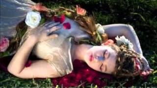 Tidurlah wahai permaisuri ( lirik )