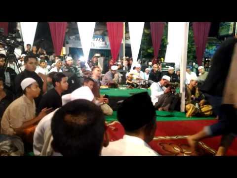 Rahatan gambus samar di Kanzus Sholawat Pekalongan dalam rangka Peringatan Maulid Nabi Muhammad SAW
