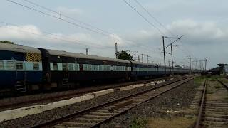 Howrah Raxaual Asaansol Express Go On His own Speed Indian Super Heroes Train