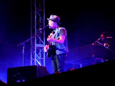 Count On Me - Bruno Mars Concert San Diego 6/11/11