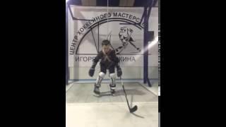 видео Использование хоккейного тренажера