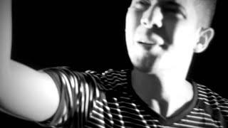 T-RiEr - No Vale La Pena (Video Oficial)